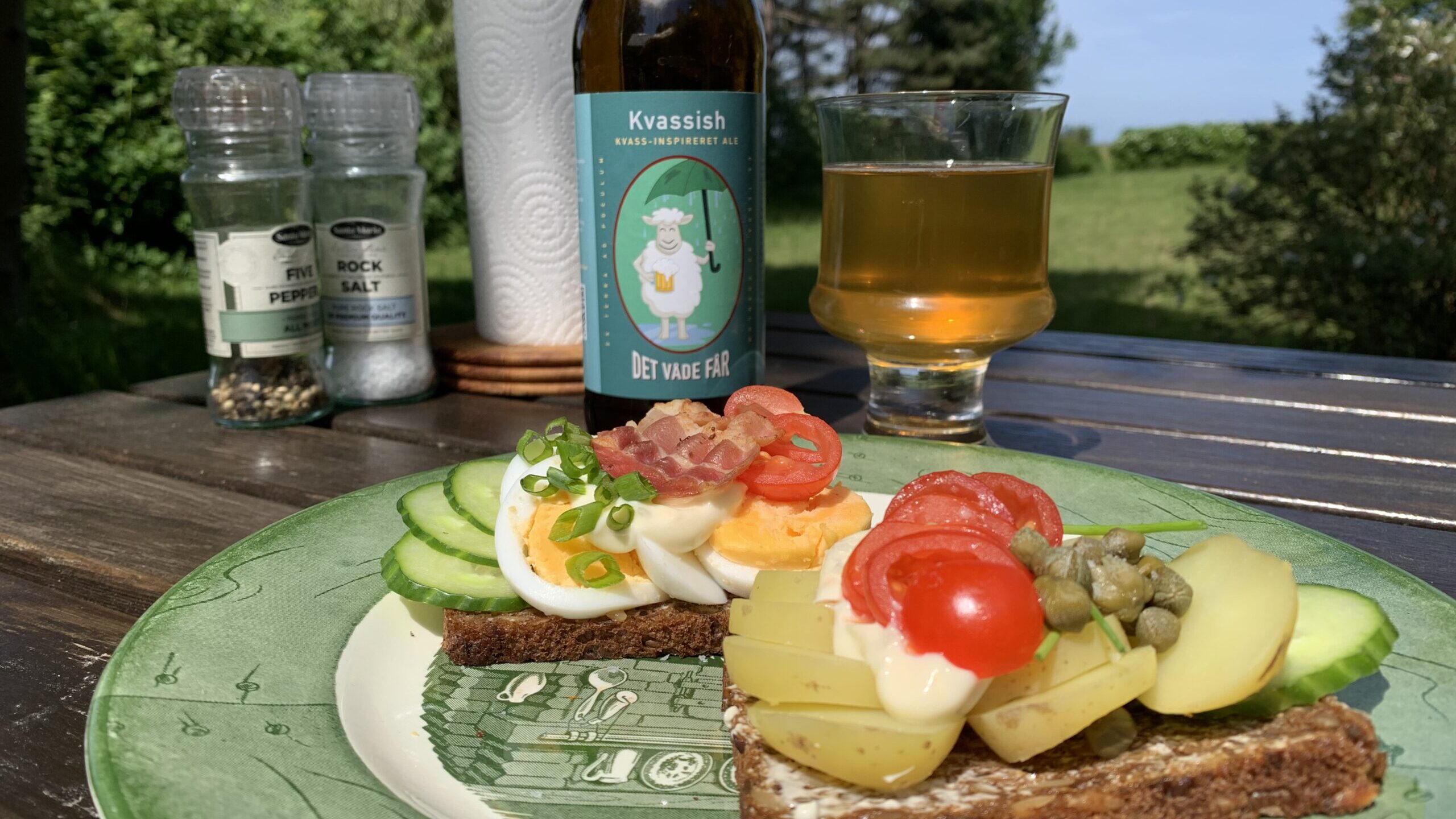Madentusiasten: Sommersmørrebrød med en fyldig øl