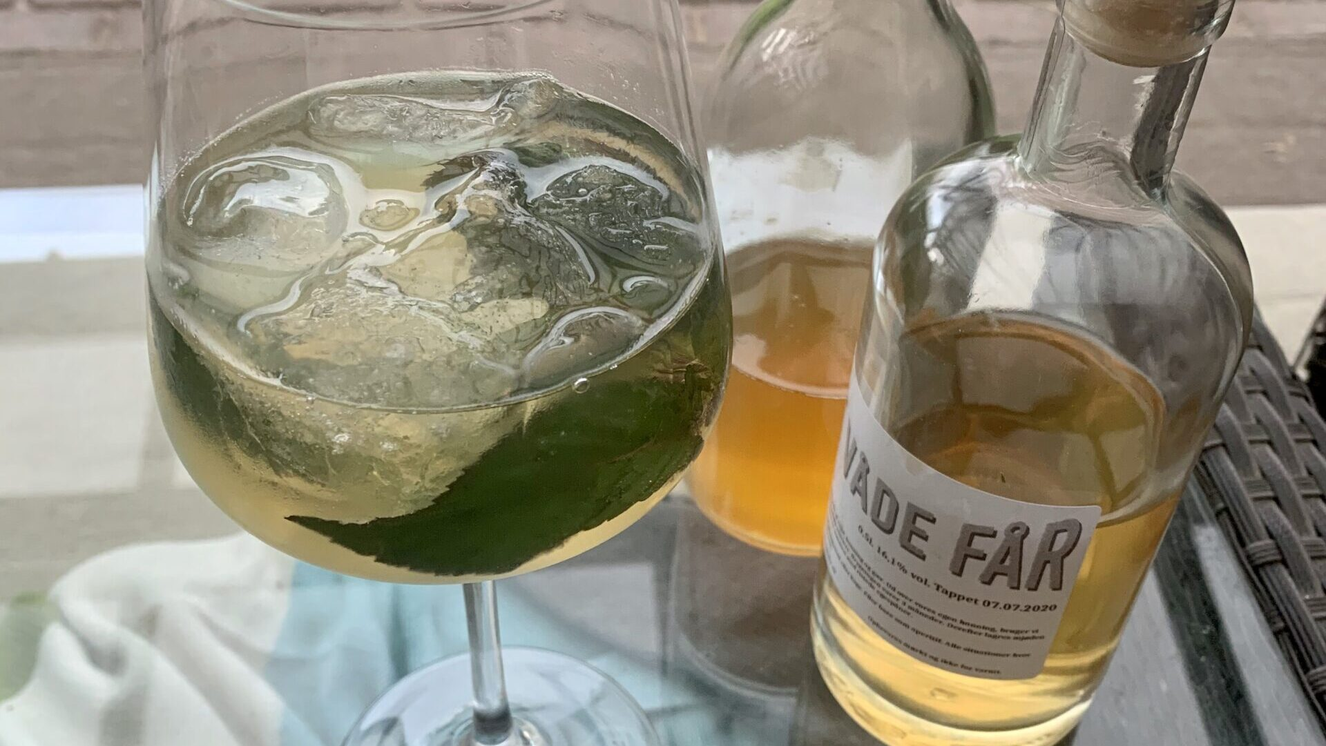 How to bee cool – Sommerdrink med mjød og tonic